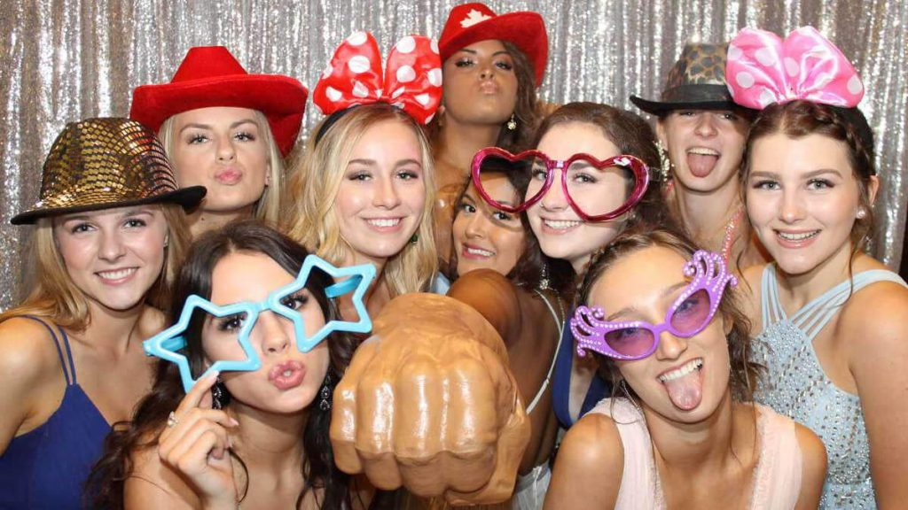 bg single 3 - Rent a Photo Booth for a Wedding in Toronto, Mississauga, Hamilton & Vaughan